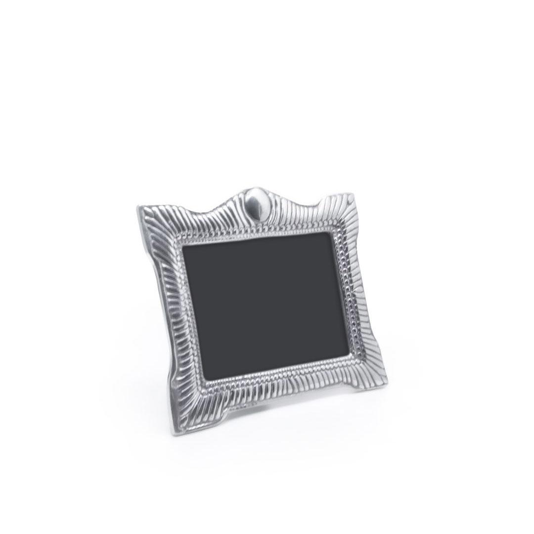 ribbed-edge-frame-02